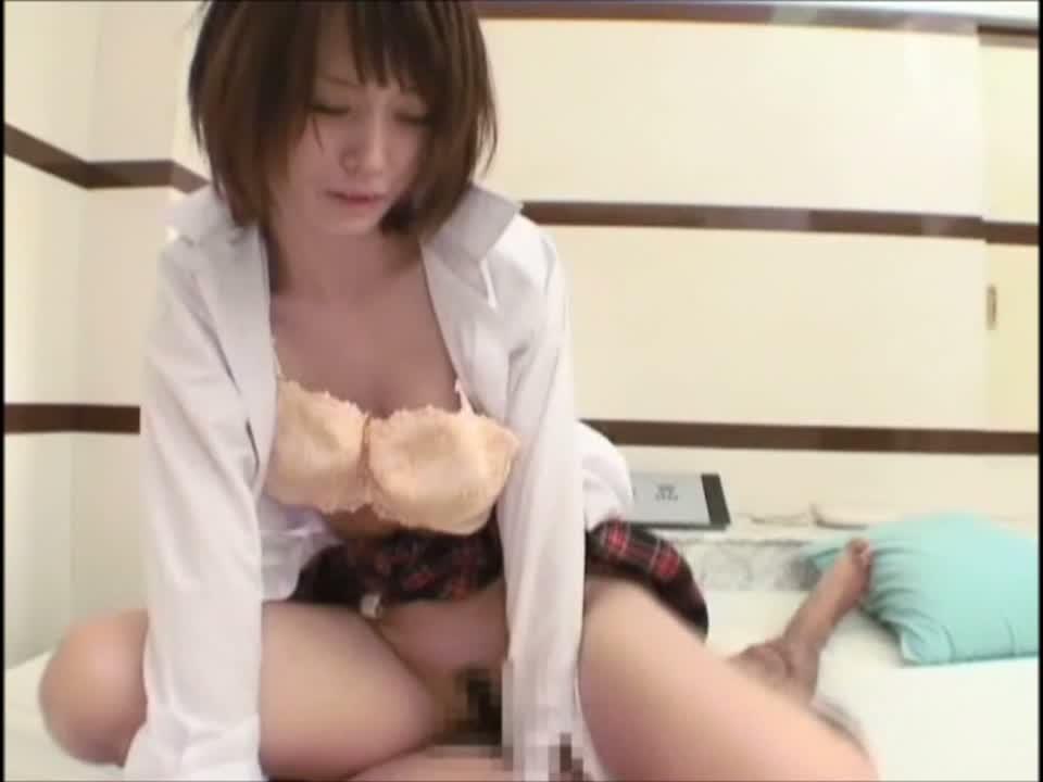 【素人 ハメ撮り 動画】貧乳なショートカット素人娘が可愛過ぎるwウブな...