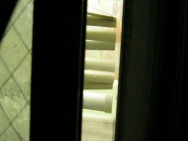 近場の民家のおバス車内ルームを窓の隙間から隠し撮り!!!現役大学生!!!!!!【盗み見】